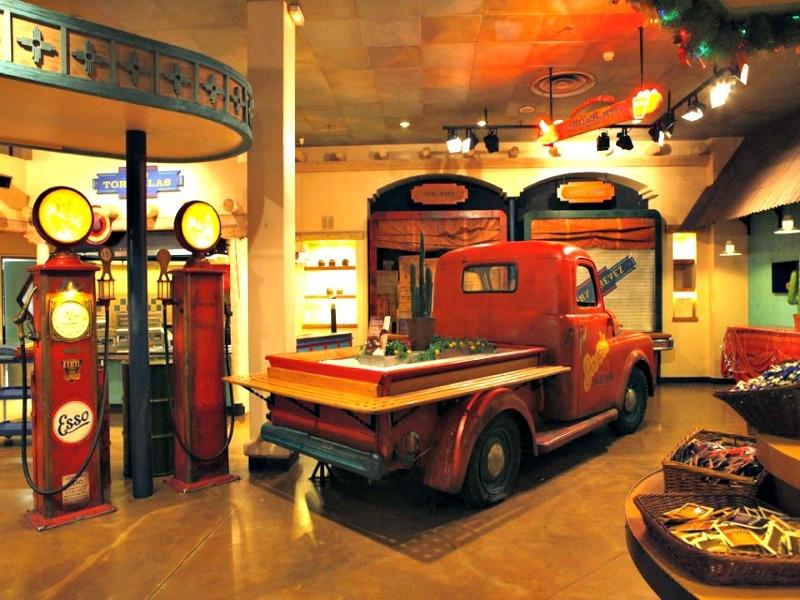 Camere Santa Fe Disneyland : Disney s hotel santa fe disneyland paris parcuri de distractie