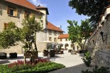 curte Hotel Grad Otocec